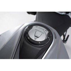 ANCLAJE / SOPORTE TAPON DEPOSITO COMBUSTIBLE GIVI PARA BOLSAS SOBREDEPOSITO SERIE TANKLOCK BMW / DUCATI / KTM